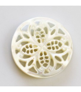 BeauMonde Jewelry - White mother-of-pearl 19 mm flower rosette