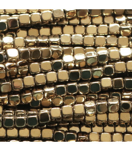 BeauMonde Jewelry - Hematite golden 2.5 / 3 mm rounded square