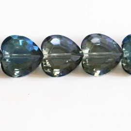 Faceted heart blue 16 mm