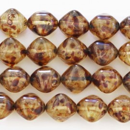 BeauMonde Jewelry - Pearl glass 12 mm square diagonal amber
