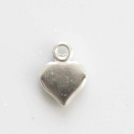 Heart pendant flat 7 mm