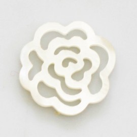 Mother-of-pearl 18 mm white openwork rose pattern