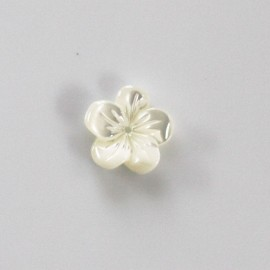 Flower kimono white 8 mm mother-of-pearl center hole