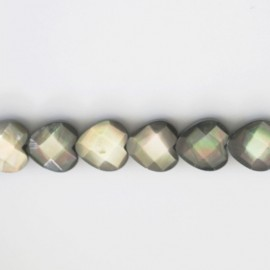 BeauMonde Jewelry - Heart mother-of-pearl grey faceted 10 mm