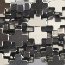 BeauMonde Jewelry - Hematite 6x6 mm silver cross