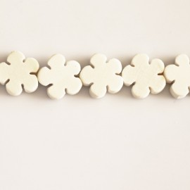 BeauMonde Jewelry - White wooden flower 16x16x4.5 mm