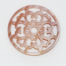 Medallion rose 21 mm pink mother-of-pearl openwork