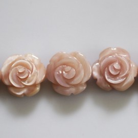 Rose pattern 12 mm pink mother-of-pearl