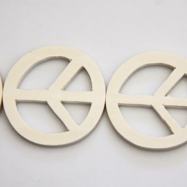 BeauMonde Jewelry - White wood 45 mm peace and love