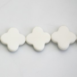 BeauMonde Jewelry - Agate white 18 mm flower 4 petals