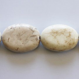 Howlite 18X25 mm ovale ivoire